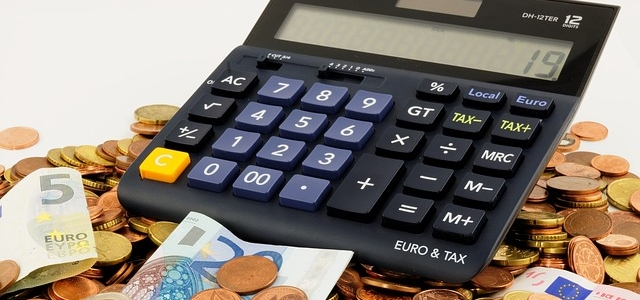 A calculator to calculate your Florida moving costs .