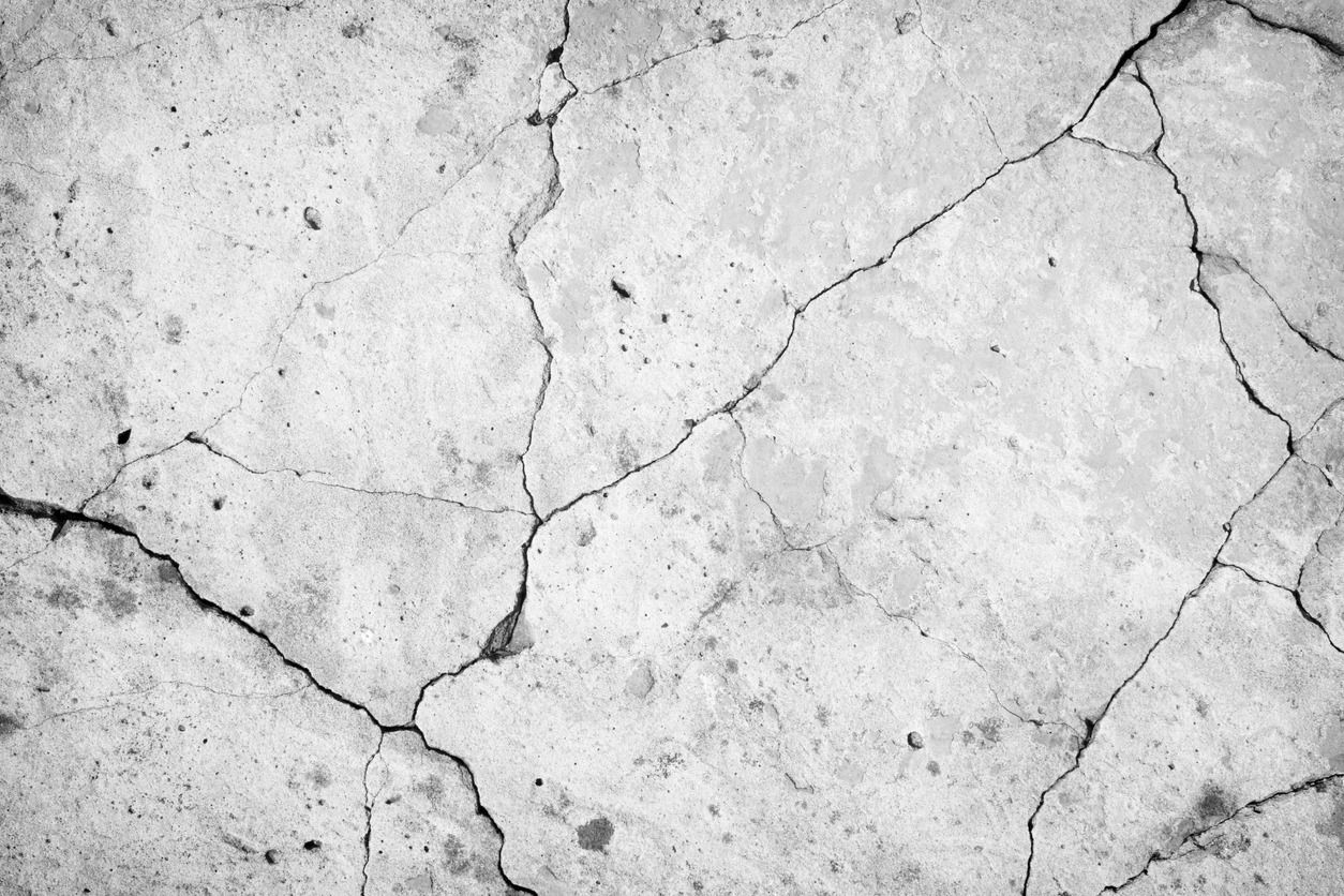 Tips on how to repair concrete cracks
